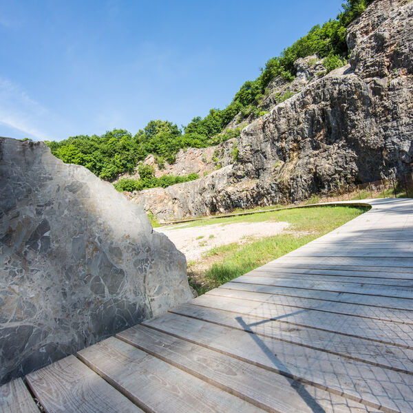 Arzo quarries